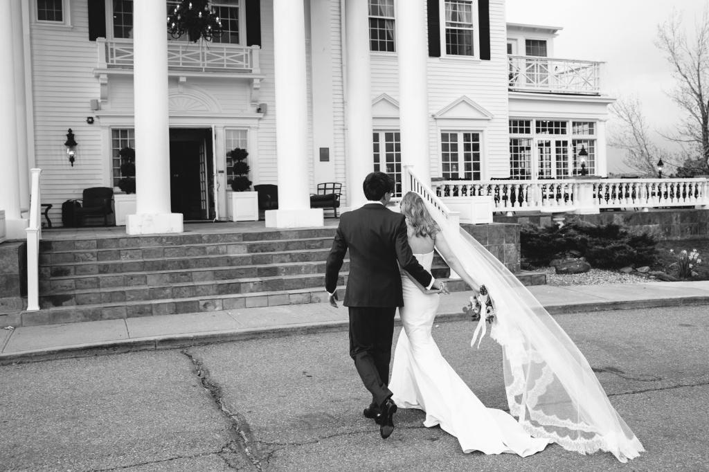 Spring Colorado Wedding at the Manor House