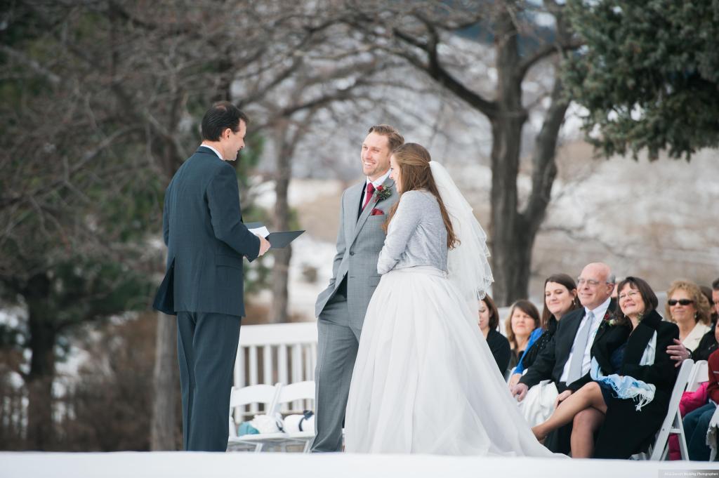 Dreamy-Winter-Wedding-Ali-and-Garrett-Photographers0005