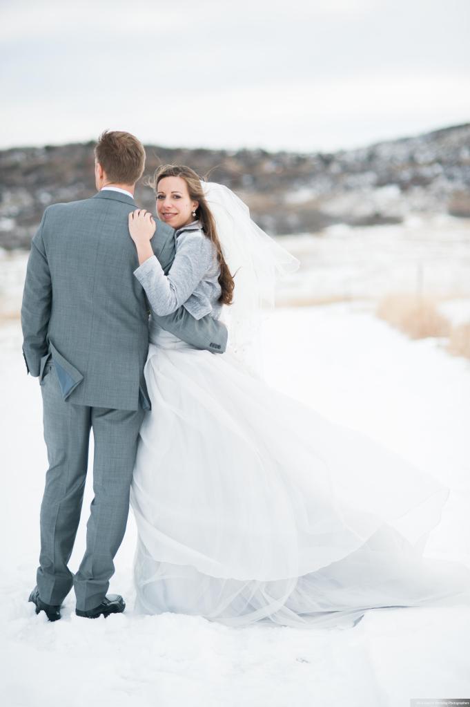 Dreamy-Winter-Wedding-Ali-and-Garrett-Photographers0014