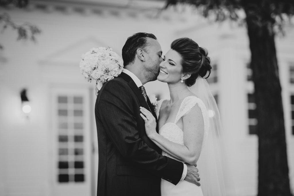 Intimate-Romantic-wedding-mallory-munson-photography0006
