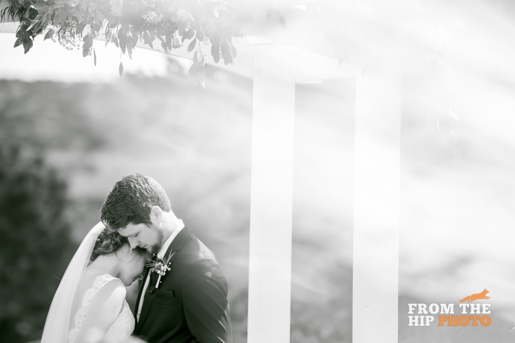 from-the-hip-photography-classic-morning-wedding0008