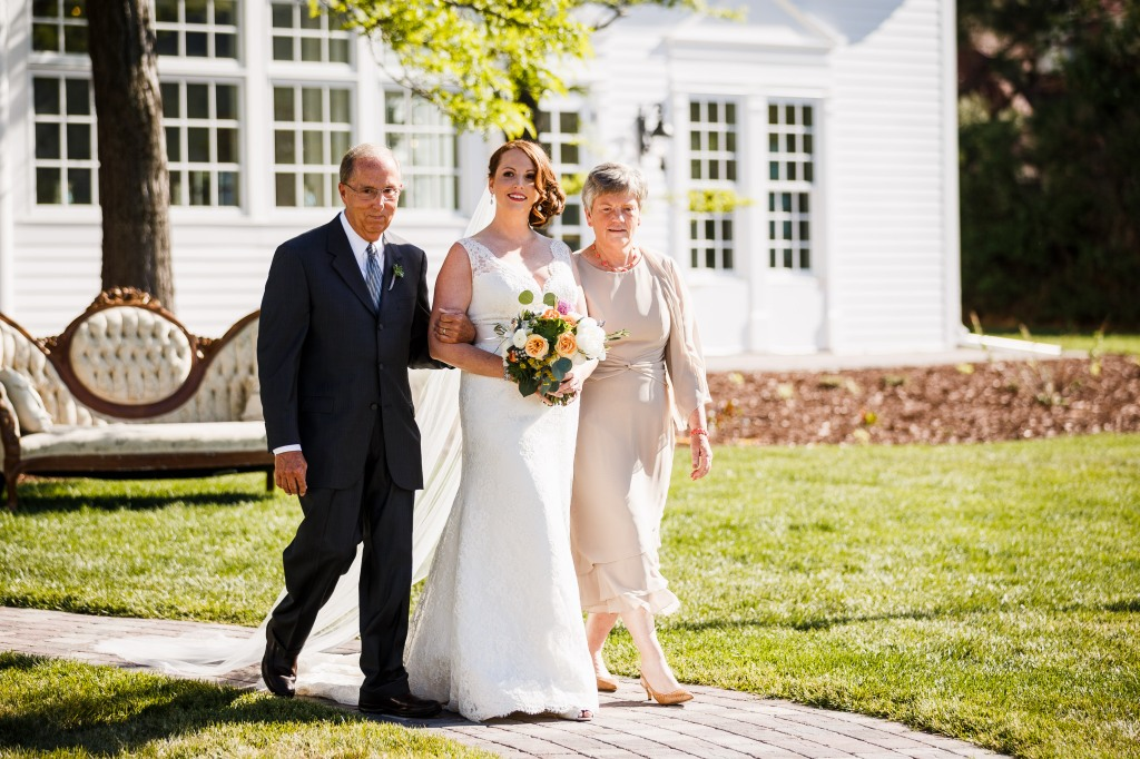 Gillespie-Photography-Yellow-and-Gray-Summer-Wedding0003