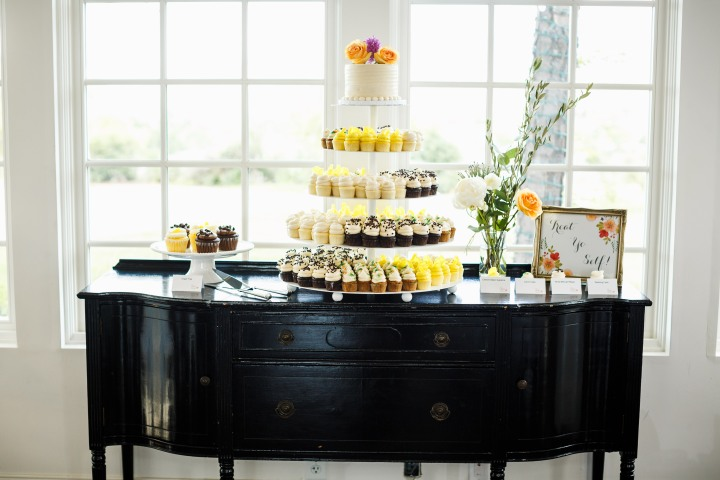 Gillespie-Photography-Yellow-and-Gray-Summer-Wedding0008